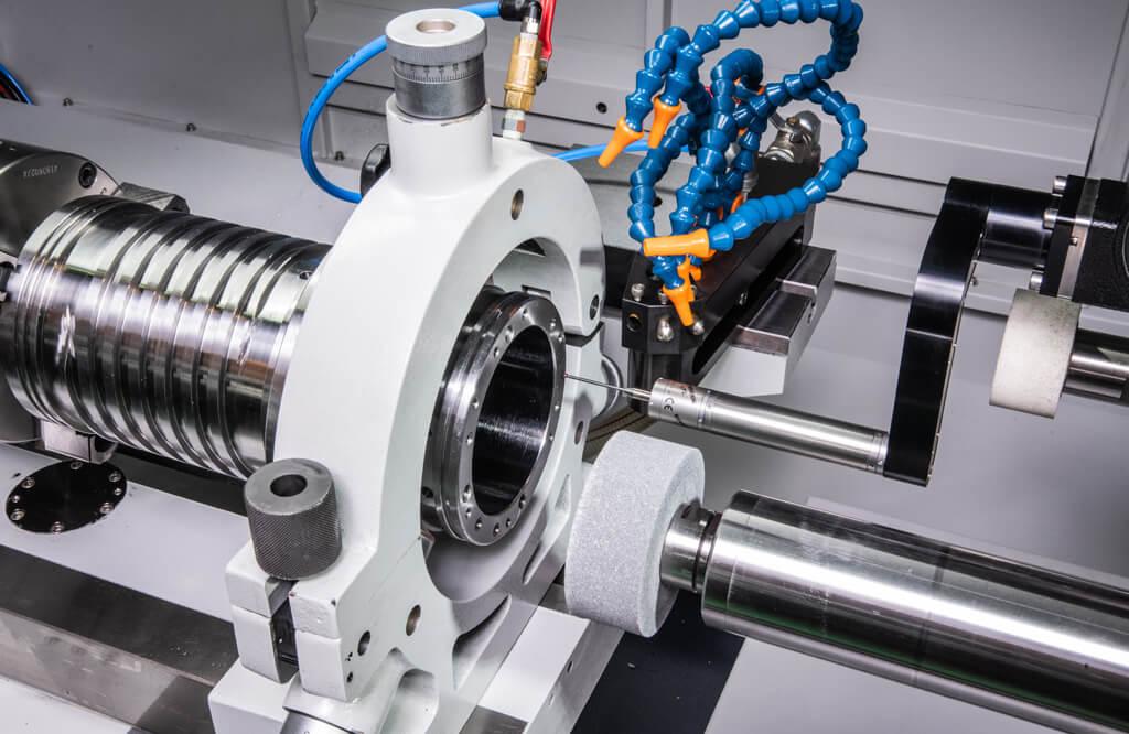 Deep-hole grinding w/ EGM 350 L
